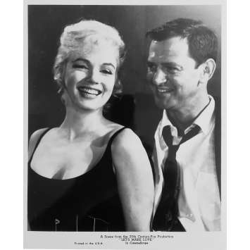 LE MILLIARDAIRE Photo de presse N05 - 20x25 cm. - R1980 - Marilyn Monroe, Yves Montand, George Cukor