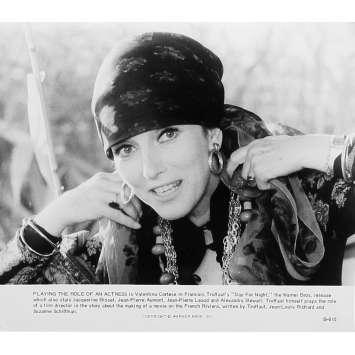 LA NUIT AMERICAINE Photo de presse B-615 - 20x25 cm. - 1973 - Jacqueline Bisset, François Truffaut