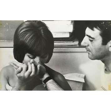 UNE FEMME MARIEE Photo de presse N01 - 20x25 cm. - 1964 - Bernard Noël, Macha Méril, Jean-Luc Godard