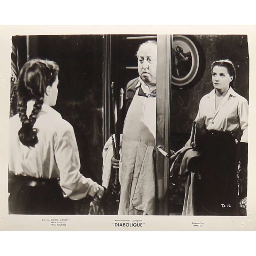 DIABOLIQUE Original Movie Still D-16 - 8x10 in. - 1955 - Henri-Georges Clouzot, Sharon Stone