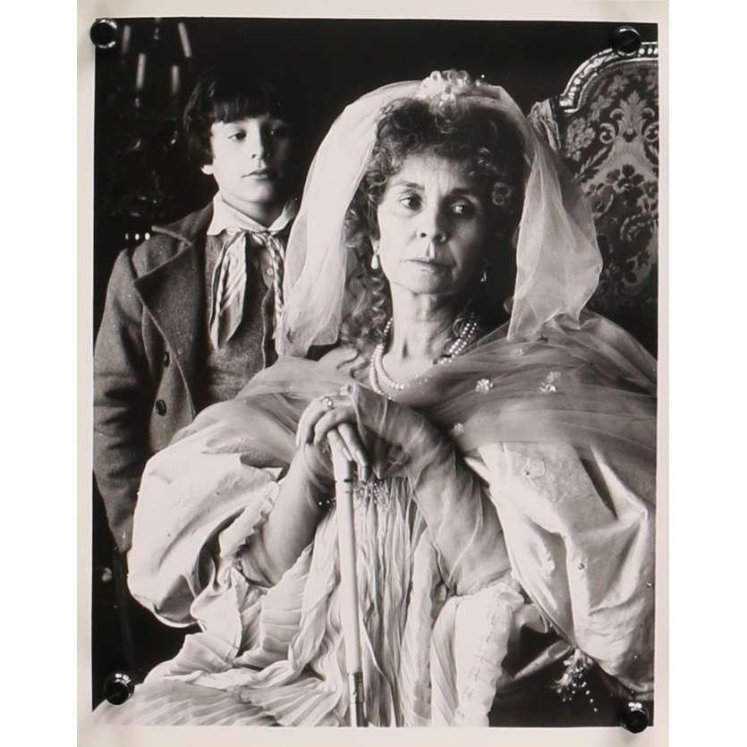 GREAT EXPECTATIONS Original Movie Still 0 - 8x10 in. - 1989 - John Rhys-Davies, Jean Simmons