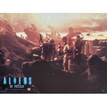 ALIENS Original Lobby Card N2 - 9x12 in. - 1986 - James Cameron, Sigourney Weaver