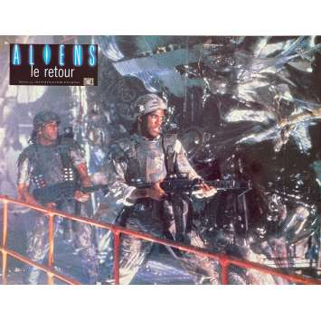 ALIENS Original Lobby Card N4 - 9x12 in. - 1986 - James Cameron, Sigourney Weaver