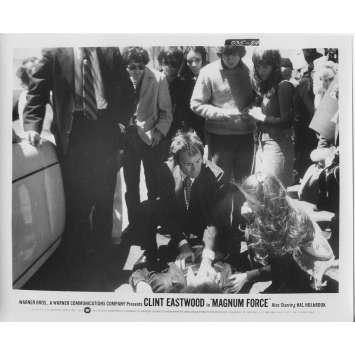 MAGNUM FORCE Photo de presse N94 - 20x25 cm. - 1973 - Clint Eastwood, Ted Post