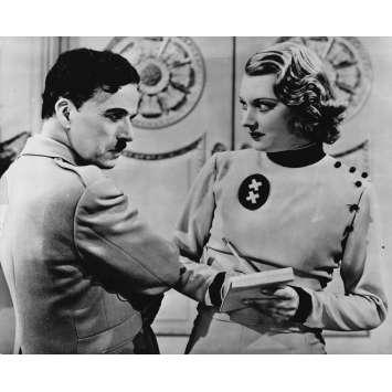 LE DICTATEUR Photo de presse P-X1 - 20x25 cm. - 1940 - Paulette Goddard, Charles Chaplin