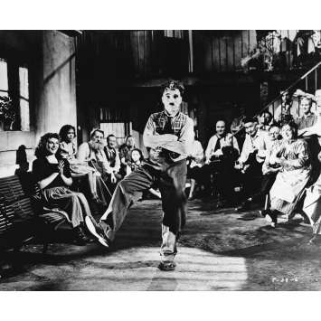 LE DICTATEUR Photo de presse P-39-6 - 20x25 cm. - 1940 - Paulette Goddard, Charles Chaplin