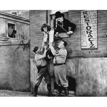 LE DICTATEUR Photo de presse P-38-6 - 20x25 cm. - 1940 - Paulette Goddard, Charles Chaplin