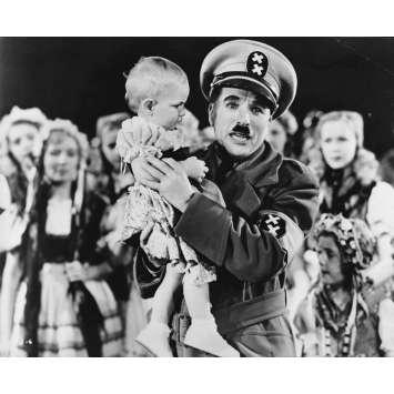 LE DICTATEUR Photo de presse P-13-6 - 20x25 cm. - 1940 - Paulette Goddard, Charles Chaplin