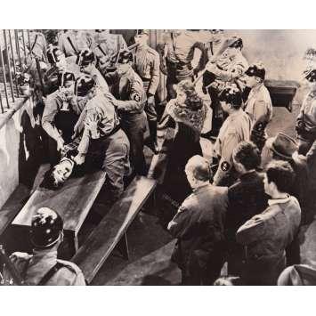 LE DICTATEUR Photo de presse P-40-6 - 20x25 cm. - 1940 - Paulette Goddard, Charles Chaplin