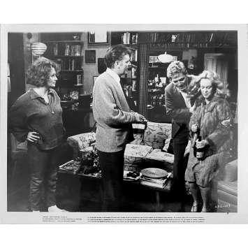 QUI A PEUR DE VIRGINIA WOLF Photo de presse N1 - 20x25 cm. - 1966 - Elizabeth Taylor, Richard Burton, Mike Nichols