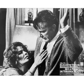 QUI A PEUR DE VIRGINIA WOLF Photo de film N1 - 24x30 cm. - 1966 - Elizabeth Taylor, Richard Burton, Mike Nichols