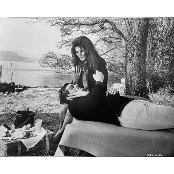 LE RENDEZ-VOUS Photo de presse N1 - 20x25 cm. - 1969 - Omar Sharif, Anouk Aimée, Sidney Lumet