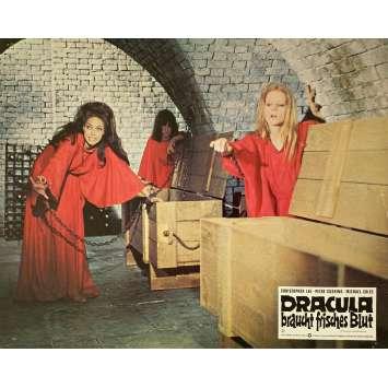 DRACULA VIT TOUJOURS A LONDRES Photo de film - 21x30 cm. - 1973 - Christopher Lee, Alan Gibson