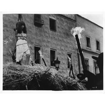 VALERIE AU PAYS DES MERVEILLES Photo de presse N8 - 20x25 cm. - 1970 - Jaroslava Schallerová, Jaromil Jires