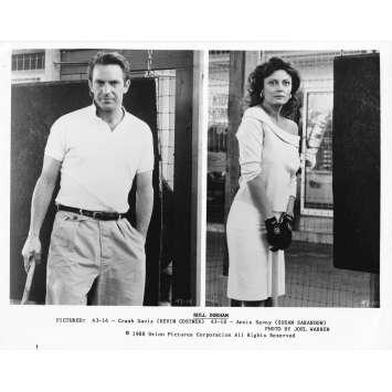 DUO A TROIS Photo de presse 43-10 - 20x25 cm. - 1988 - Kevin Costner, Susan Sarandon, Ron Shelton