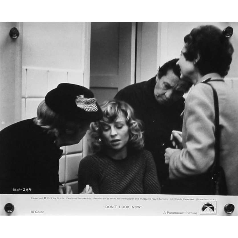 DON'T LOOK NOW US Movie Still 2 8x10 - 1974 - Nicholas Roeg, Donald Sutherland