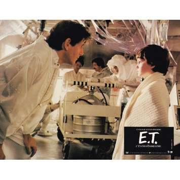 E.T. THE EXTRA-TERRESTRIAL Original Lobby Card N10 - 9x12 in. - 1982 - Steven Spielberg, Dee Wallace