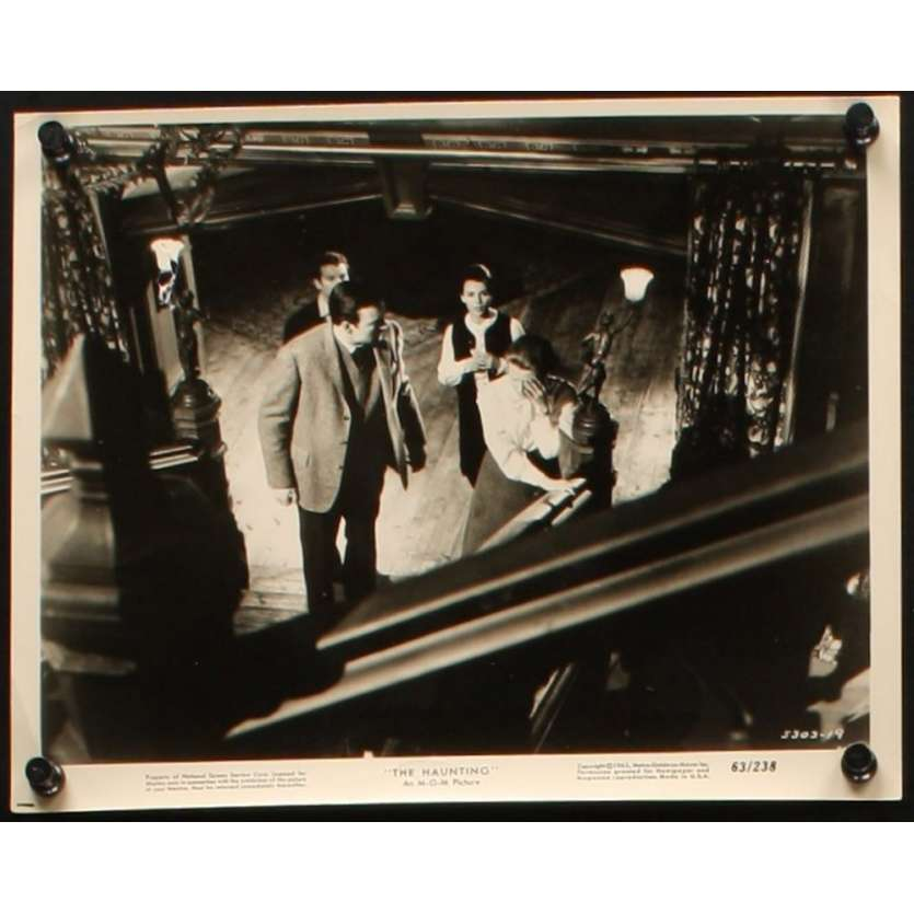 HAUNTING 8x10 still N1 '63 Julie Harris, Claire Bloom, Richard Johnson, Russ Tamblyn