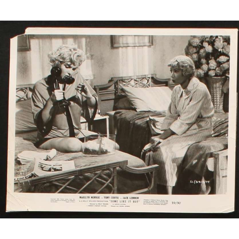 SOME LIKE IT HOT Movie Still 8X10 '59 Marilyn Monroe, Tony Curtis Photo