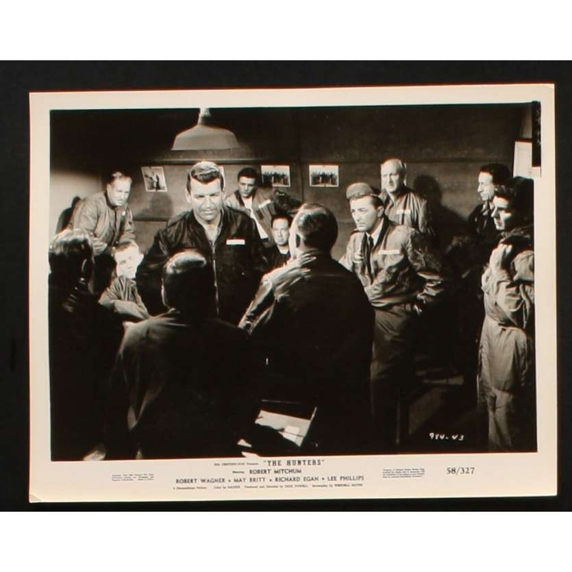 FLAMMES SUR L'ASIE Photo Presse 20x25 US '58 Robert Mitchum, Robert Wagner