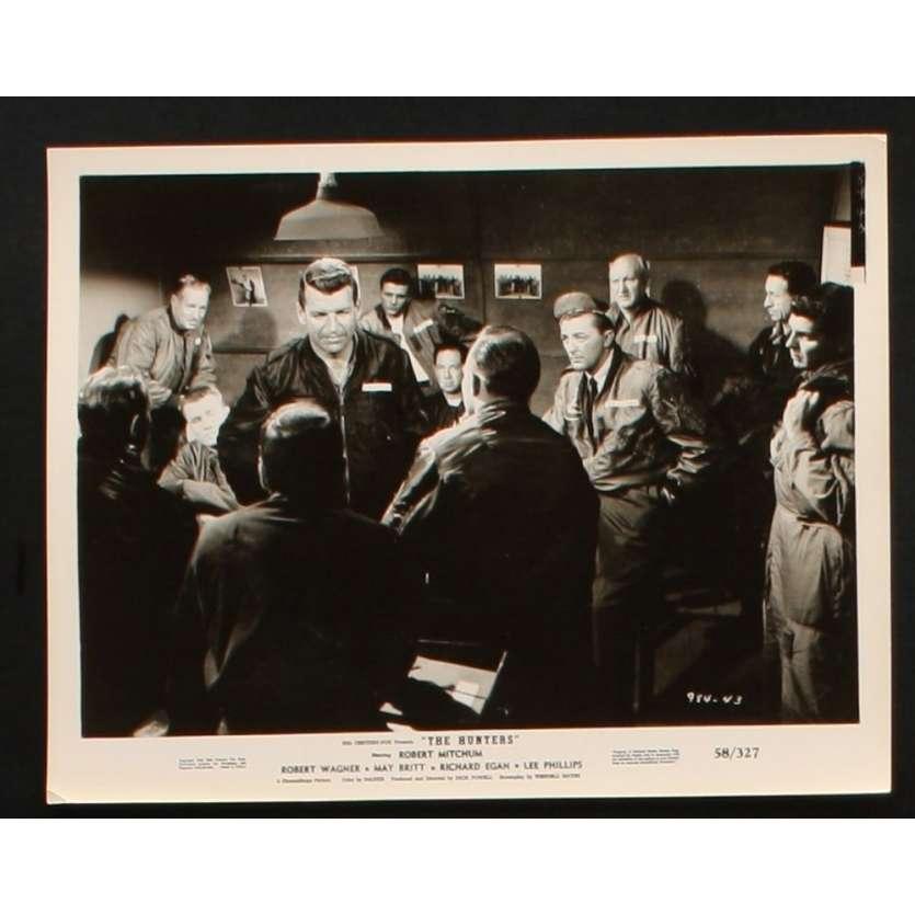 HUNTERS Movie Still 8x10 '58 Robert Mitchum, Robert Wagner