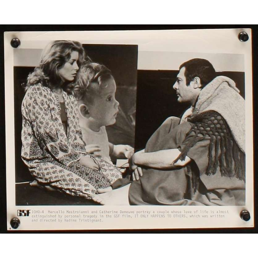 IT ONLY HAPPENS TO OTHERS 8x10 Still N3 '71 Catherine Deneuve, Mastroianni, Trintignant