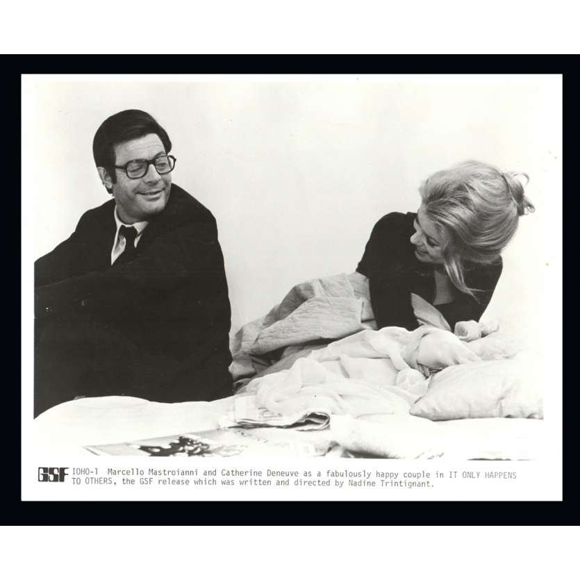IT ONLY HAPPENS TO OTHERS 8x10 Still '71 Catherine Deneuve, Mastroianni, Trintignant