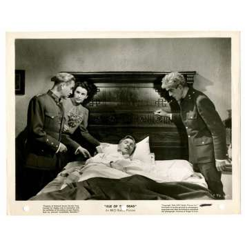 ISLE OF THE DEAD Press still - 1945 - Boris Karloff & co-stars gathered around sick guy in bed!