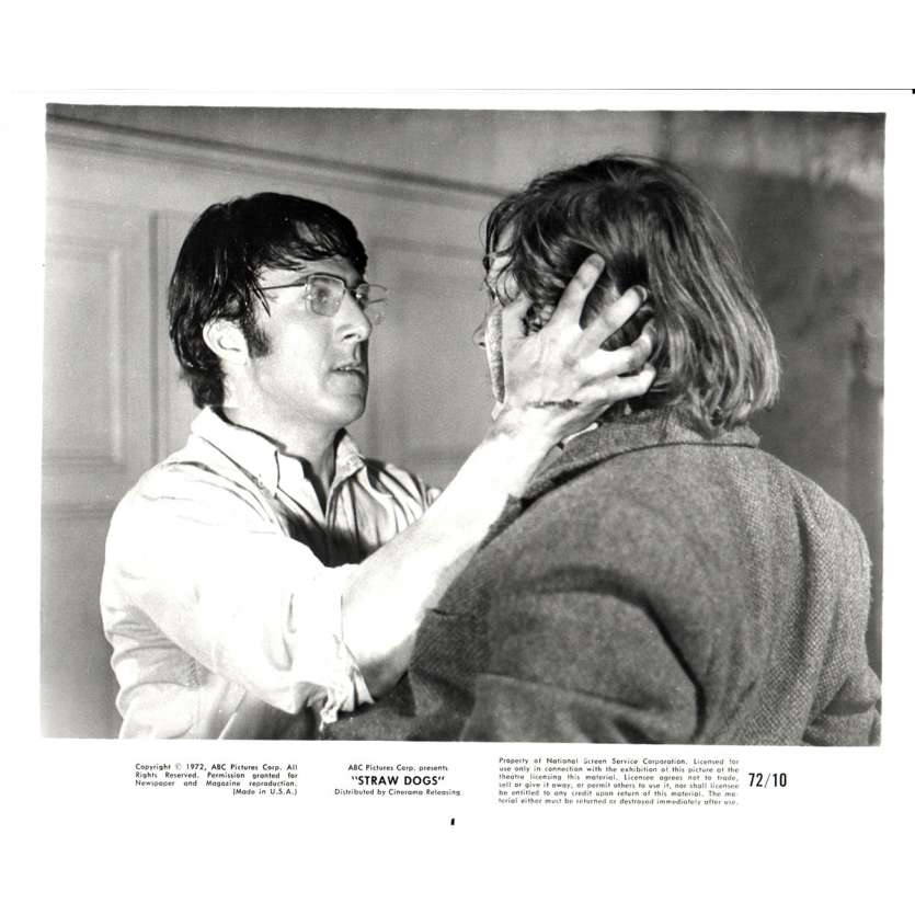 STRAW DOGS 8x10 still N10 '72 Dustin Hoffman, directed by Sam Peckinpah