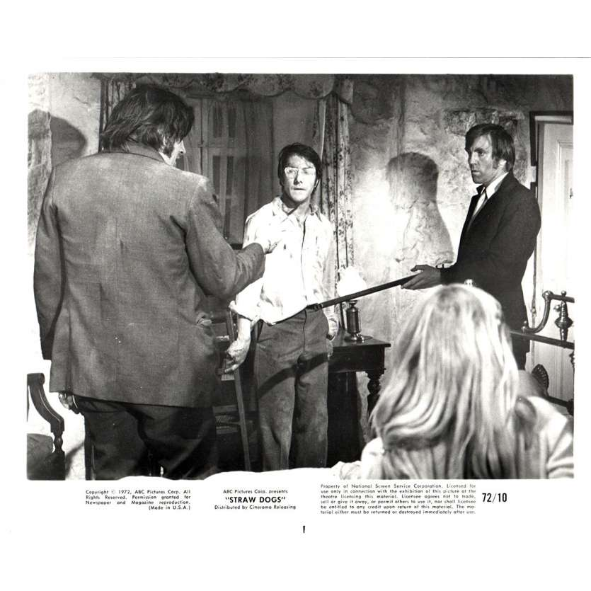 STRAW DOGS 8x10 still N9 '72 Dustin Hoffman, directed by Sam Peckinpah
