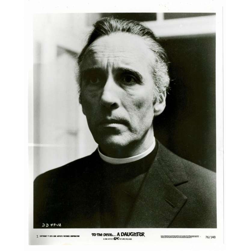 Mauvais-genres.com CHRISTOPHER LEE Une fille pour le diable USA 1976 Photo Photos